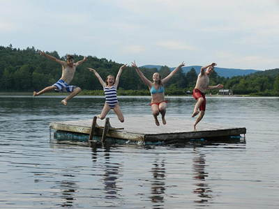 kids-jumping-off-float_400
